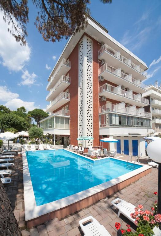 Hotel ridolfi cervia book your hotel with viamichelin for Hotel a milano marittima