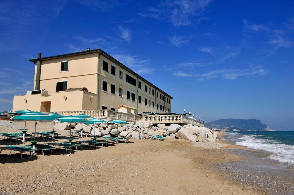 Porto Recanati Hotel Brigantino