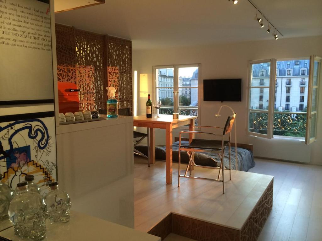 appartement smart gallery beaubourg locations de vacances paris. Black Bedroom Furniture Sets. Home Design Ideas