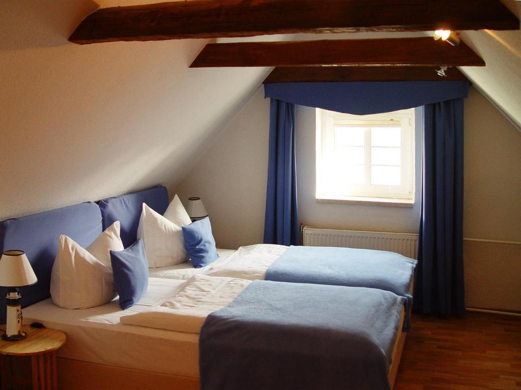 hotel altes hafenhaus rostock viamichelin informationen und online buchungen. Black Bedroom Furniture Sets. Home Design Ideas