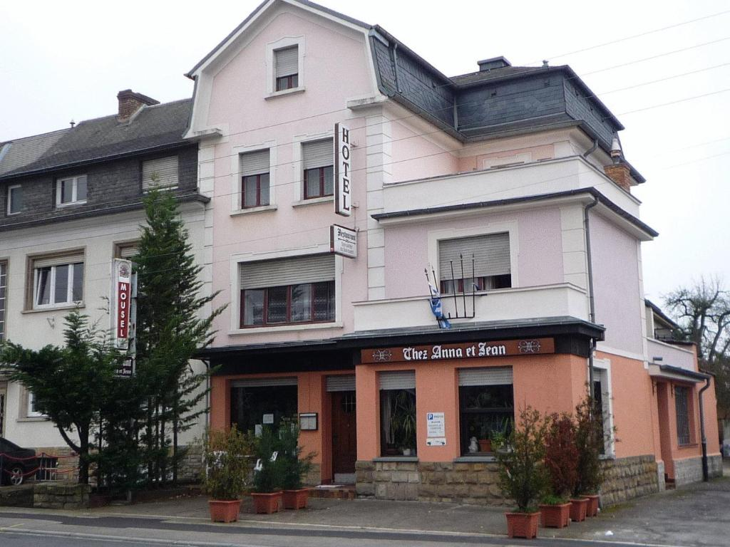 Hotel restaurant chez anna et jean r servation gratuite for Reserver hotel et payer sur place