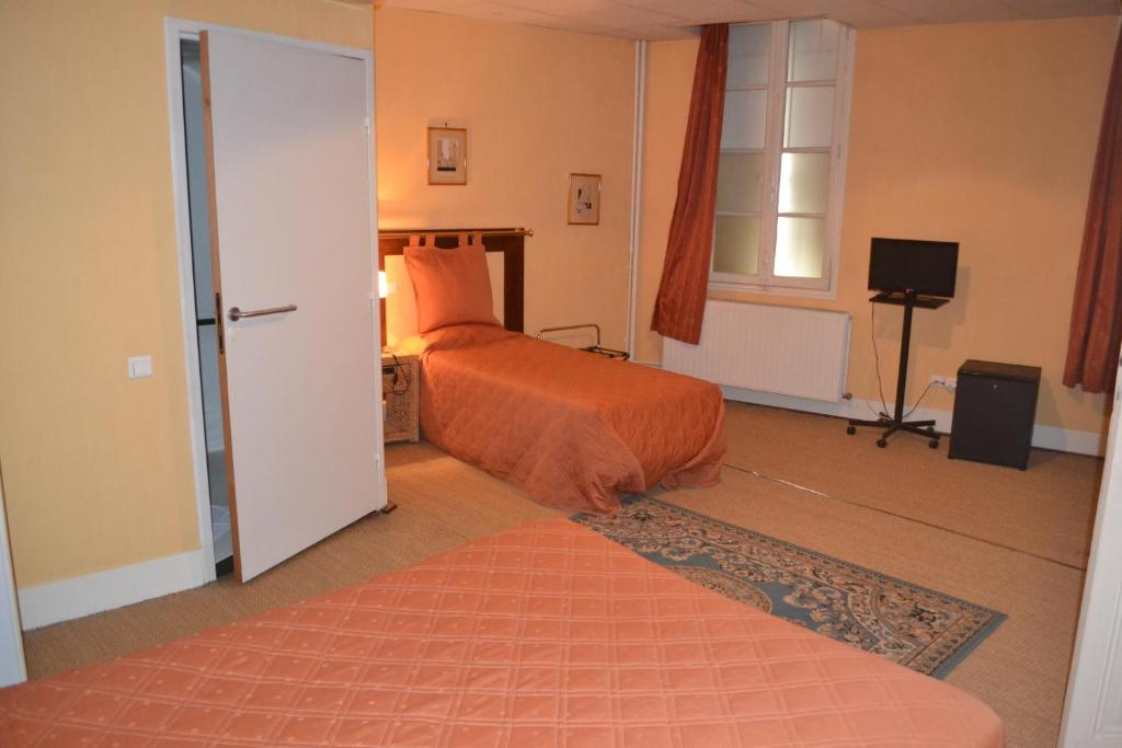 H tel de france libourne book your hotel with viamichelin for Hotel de france booking