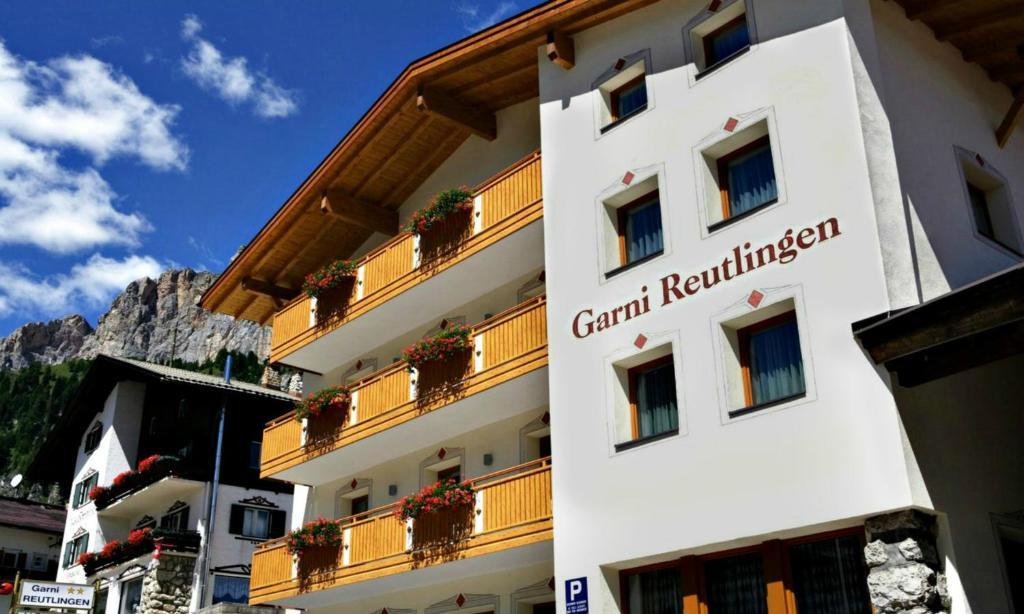 garni reutlingen pedratsches prenotazione on line. Black Bedroom Furniture Sets. Home Design Ideas