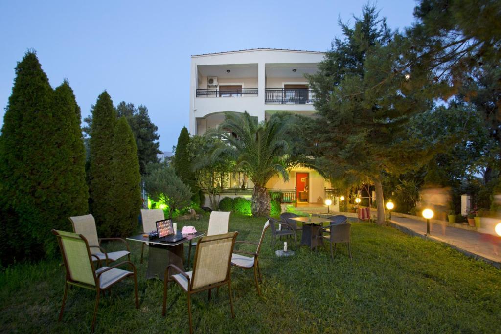 Villa katerina thassos reserva tu hotel con viamichelin for Jardin katerina