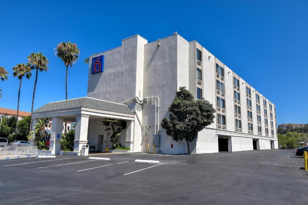Motel  Hotel Circle North San Diego Ca