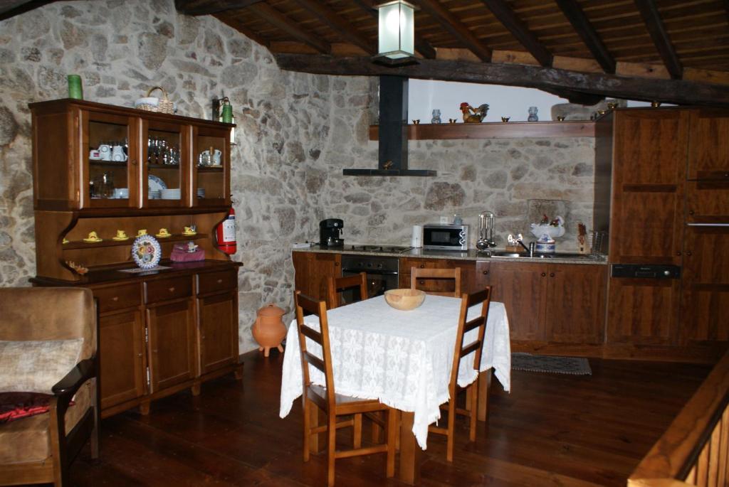 Casa de temporada casa real danaia portugal germil for Casa actual