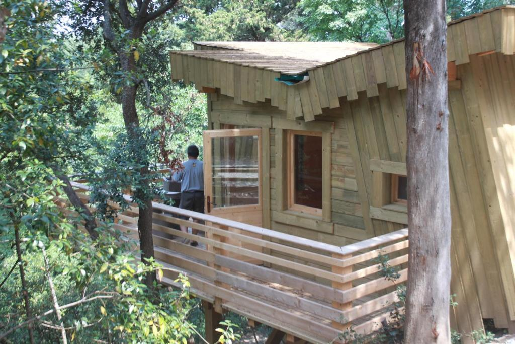 les cabanes dans les bois carcassonne online booking. Black Bedroom Furniture Sets. Home Design Ideas
