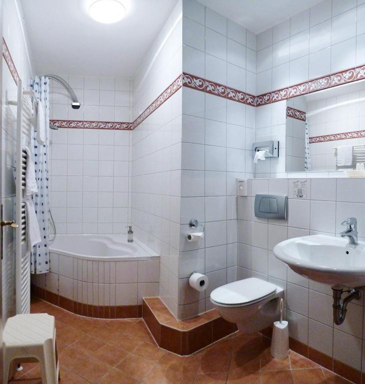 hotel am schloss darmstaedter hof bad homburg vor der h he informationen und buchungen. Black Bedroom Furniture Sets. Home Design Ideas