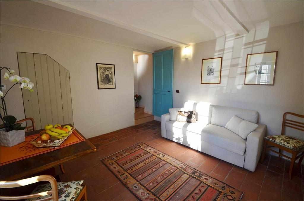 Casa brina suites crescentino prenotazione on line for Piani di una casa piani con suite di legge