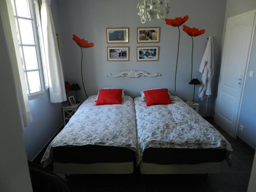 Chambres d 39 h tes les broussous chambres d 39 h tes sauve - Chambre d hotes libertine ...