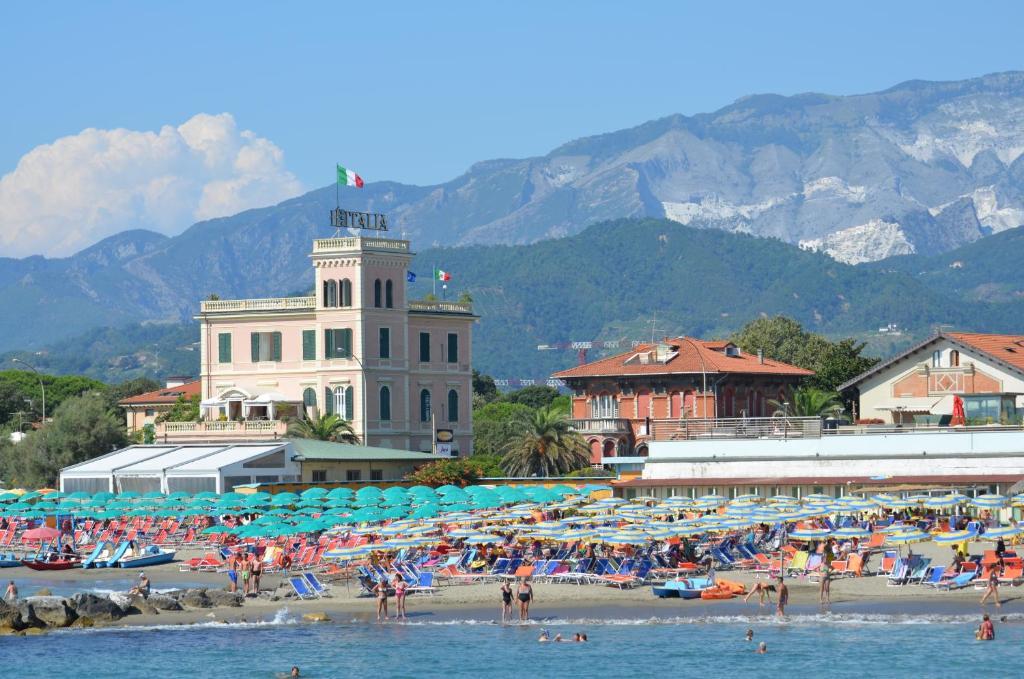 Hotel italia massa prenotazione on line viamichelin - Bagno milano marina di massa ...