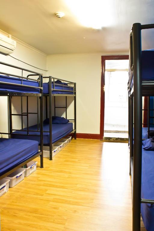 mad monkey backpackers kings cross r servation gratuite. Black Bedroom Furniture Sets. Home Design Ideas