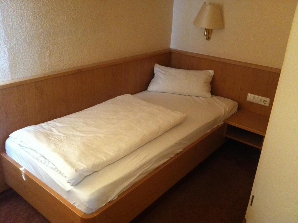 hotel ochsen kehl kork kehl viamichelin informationen und online buchungen. Black Bedroom Furniture Sets. Home Design Ideas