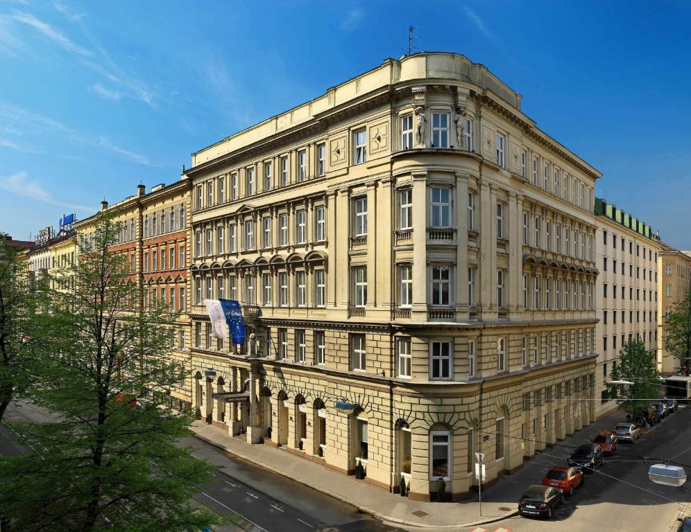 Wien Mit Bahn Und Hotel