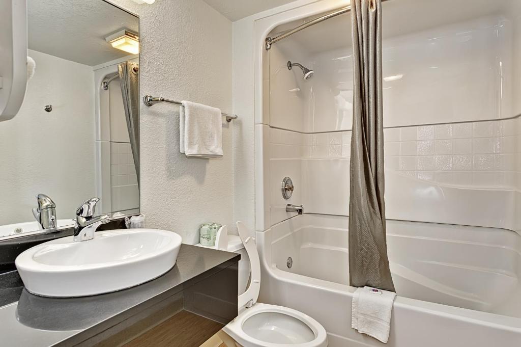 Motel 6 chicago west villa park r servation gratuite for 200 royce blvd oakbrook terrace il 60181