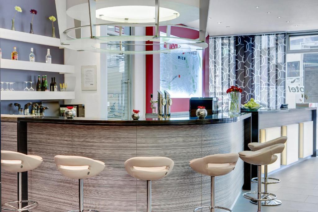 Intercityhotel wien wien informationen und buchungen for Design hotel 1070 wien