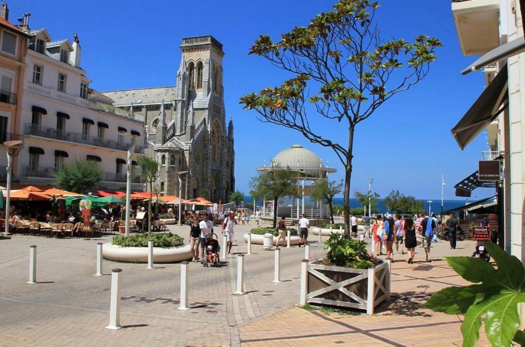 Hotel de l 39 oc an r servation gratuite sur viamichelin - Hotel de la plage biarritz 3 esplanade du port vieux ...