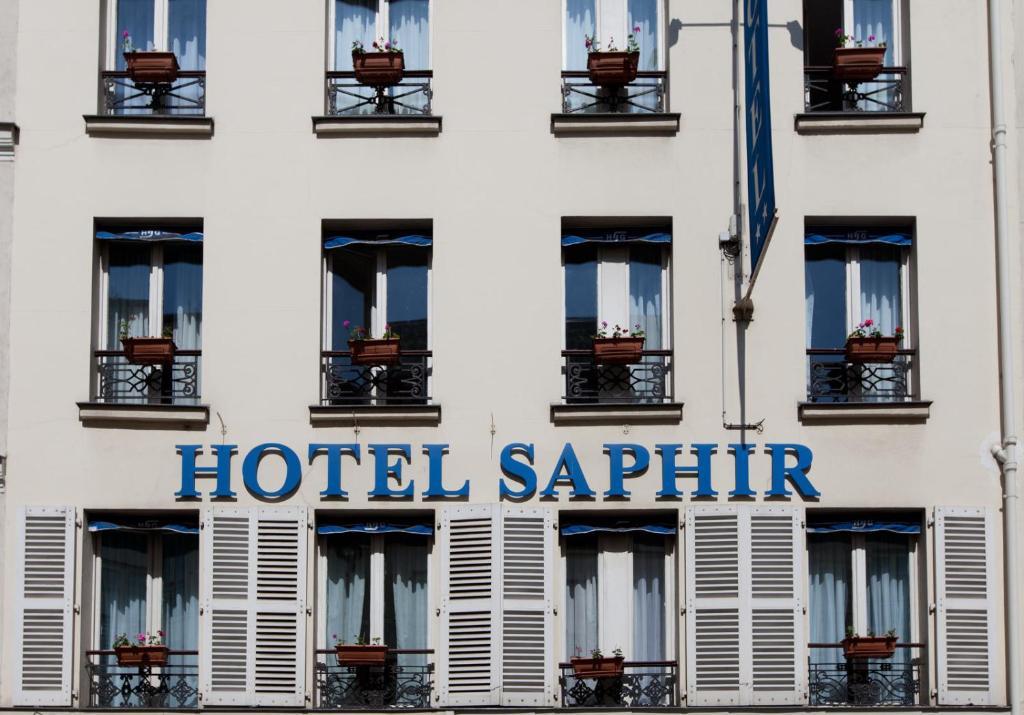 Hotel Saphir Grenelle  Rue Du Commerce  Paris