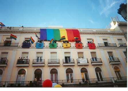 Gay hostal puerta del sol madrid madrid book your for Hostal cerca puerta del sol