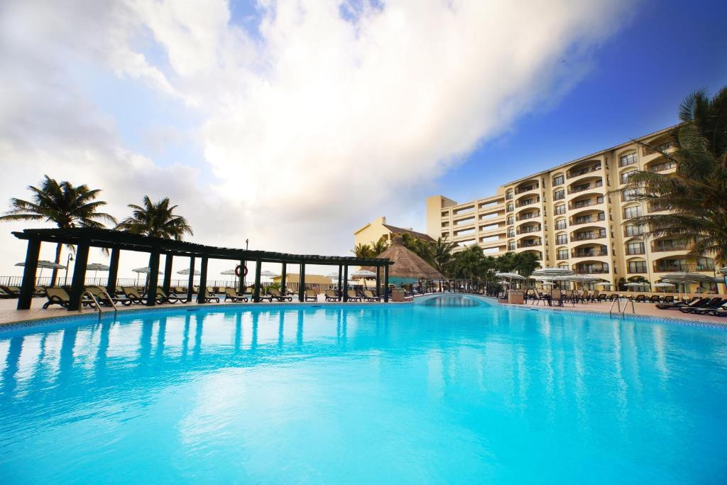 The Royal Islander An All Suites Resort Cancun