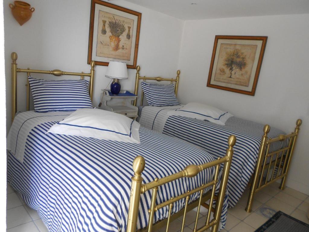 Chambre d 39 h tes de charme la belle vue beausoleil book for Chambre hotel charme