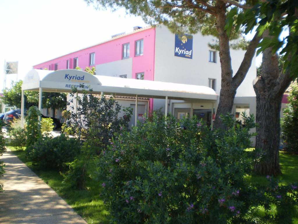 Kyriad montpellier a roport p rols book your hotel for Hotels montpellier