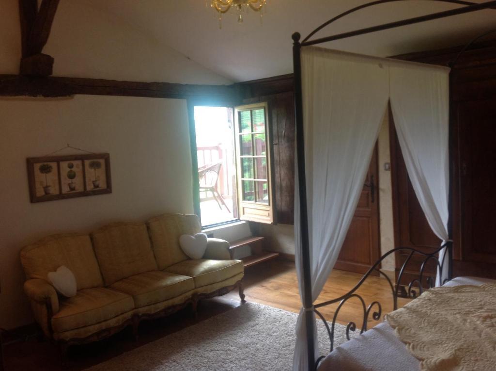 Chambres d 39 h tes maison amestoia chambres d 39 h tes saint tienne de ba gorry - Chambres d hotes saint etienne ...