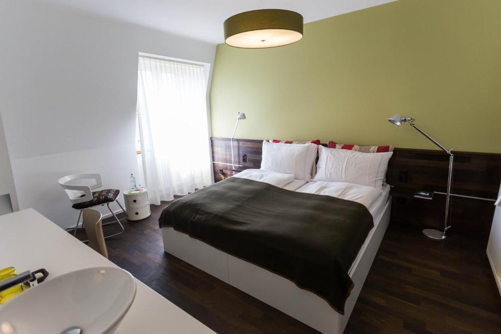 Design hotel plattenhof z rich online booking for Hotel booking design