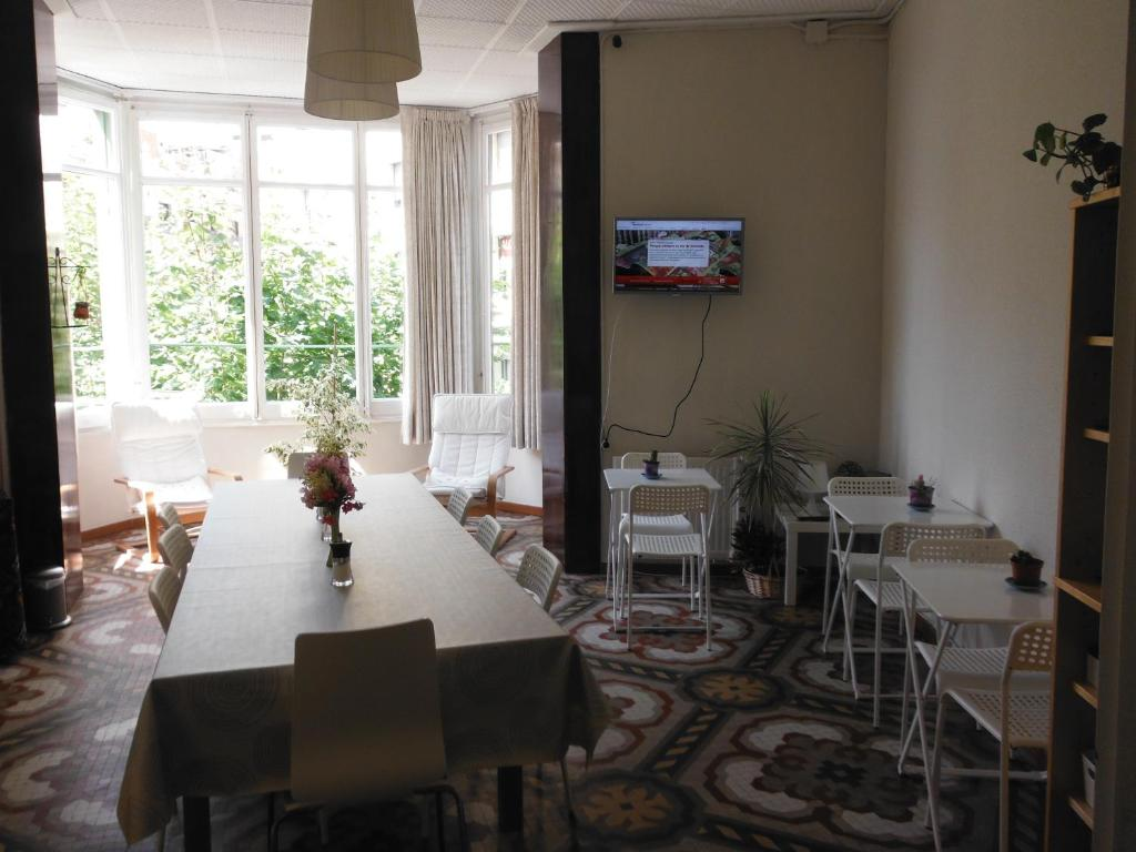 Chambres d 39 h tes hostal eixample chambres d 39 h tes for Chambre d hote espagne