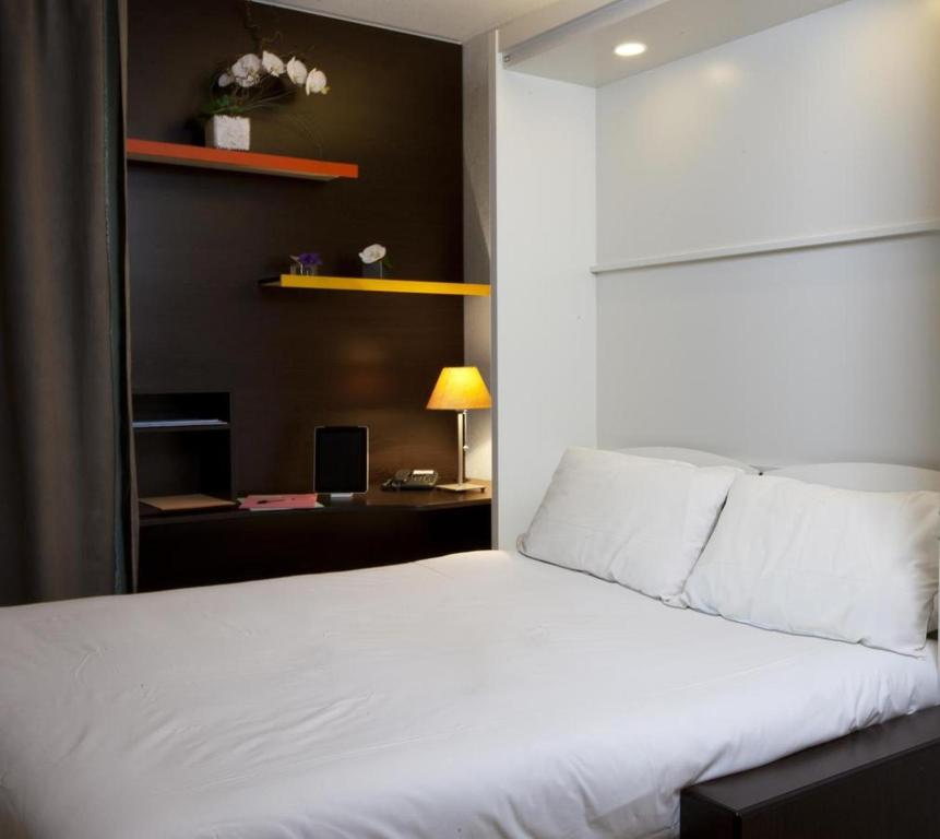 at home appart hotel toulouse. Black Bedroom Furniture Sets. Home Design Ideas