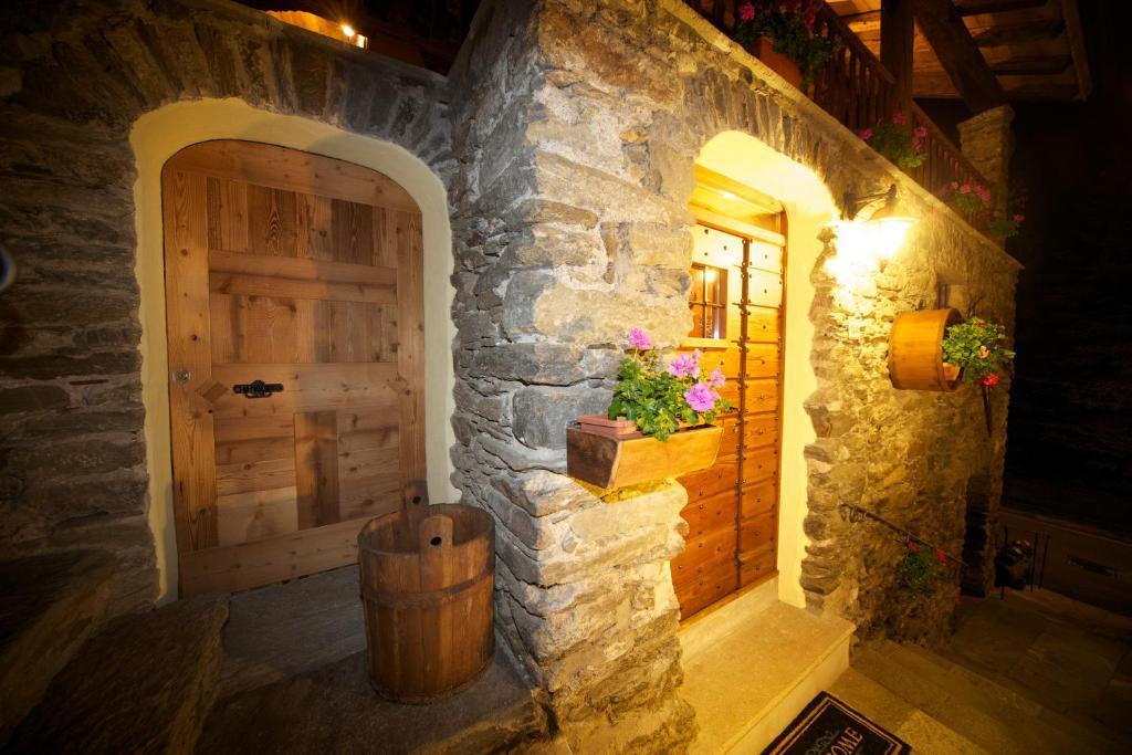 La maison du seigneur courmayeur prenotazione on line for Albergo de la maison courmayeur