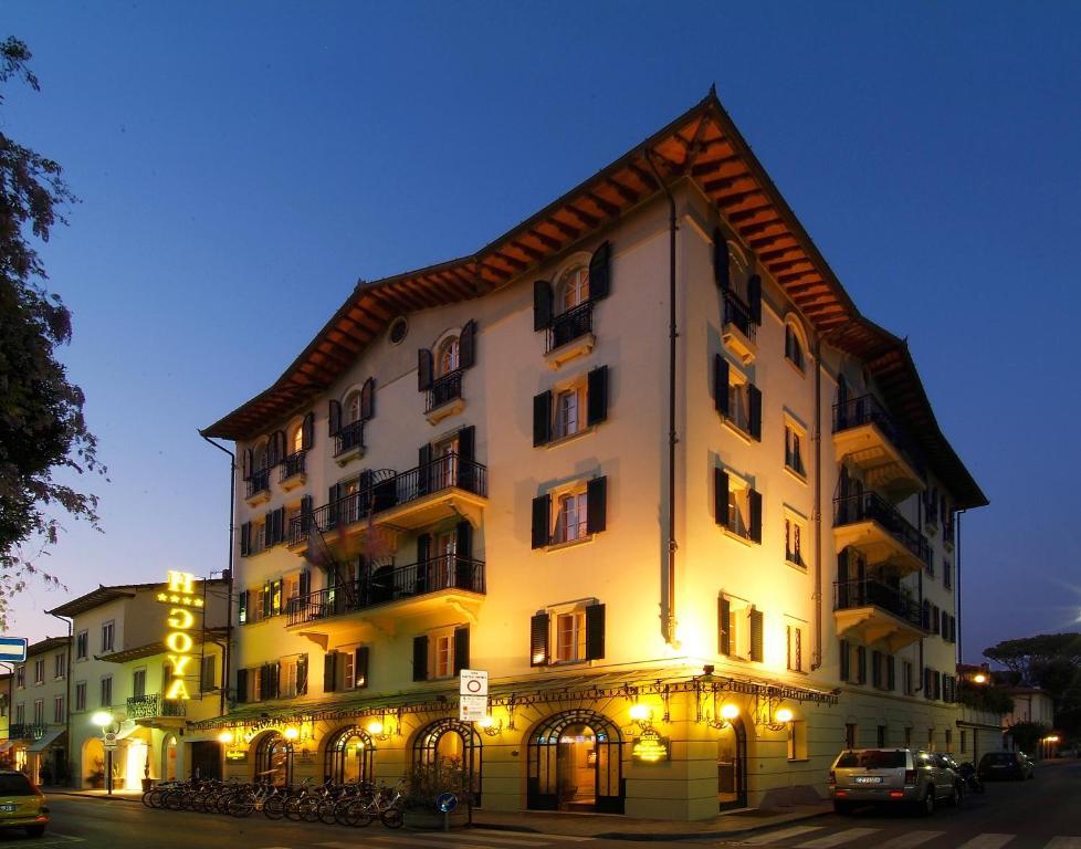 Hotel goya forte dei marmi informationen und buchungen online viamichelin - Bagno carducci forte dei marmi ...