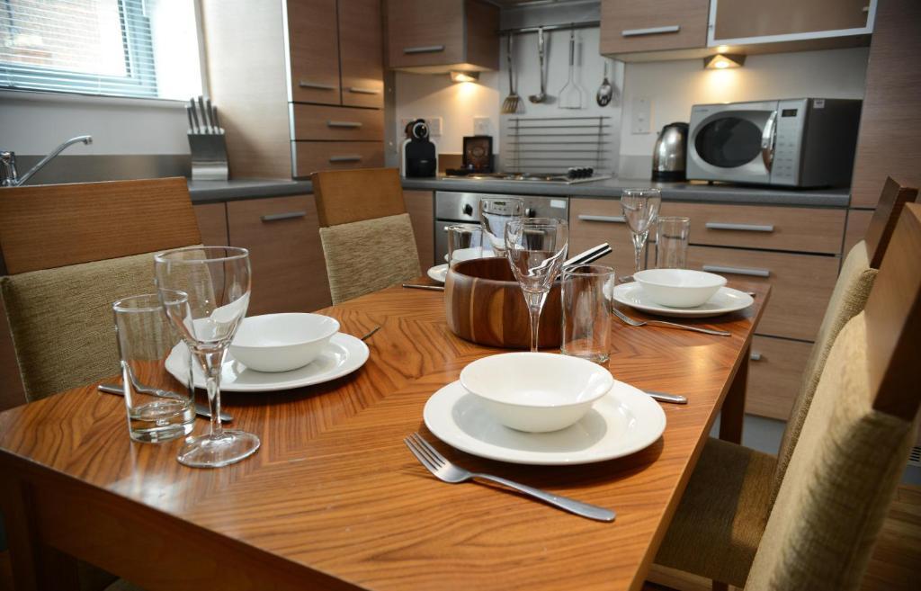 Premier suites newcastle newcastle upon tyne viamichelin informatie en online reserveren for Moderne toiletartikelen