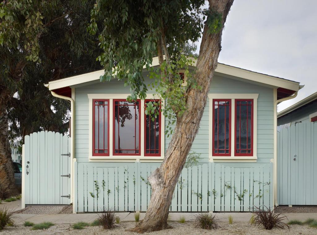 Venice beach eco cottages los angeles book your hotel for Cottages in los angeles