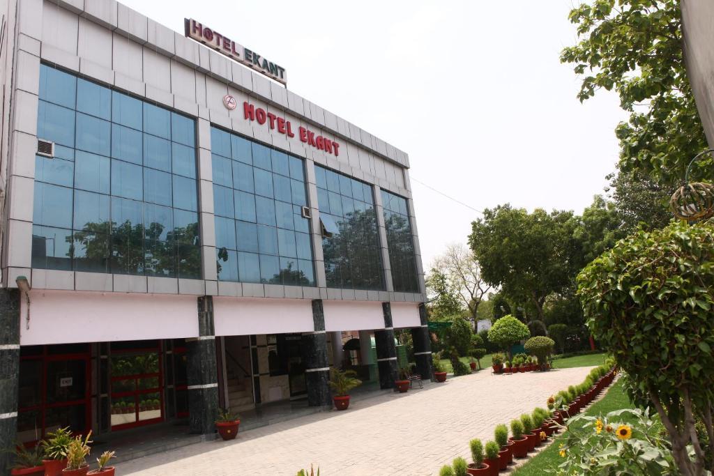 Faridabad Hotel Escorts
