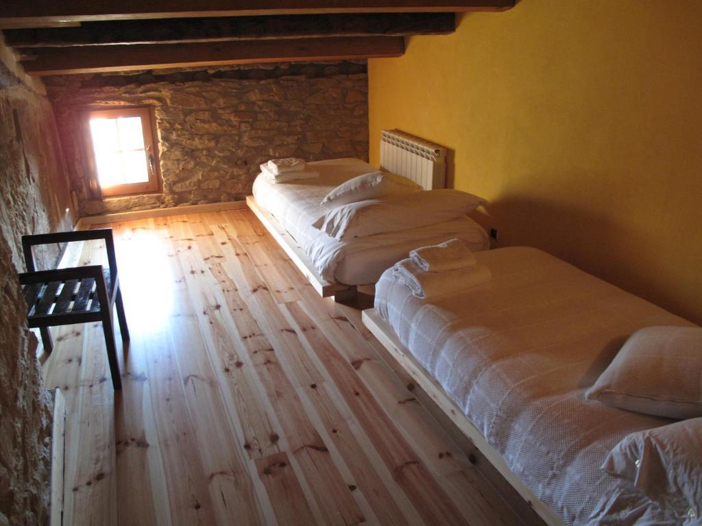 Bed & Breakfast L'Esgolfa de ca l'Ortís, Kamers B&B Figuerosa