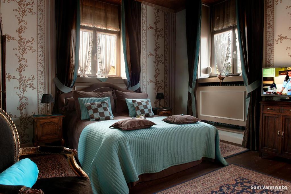 chambres d 39 h tes b b de vijf zuilen chambres d 39 h tes bruges. Black Bedroom Furniture Sets. Home Design Ideas