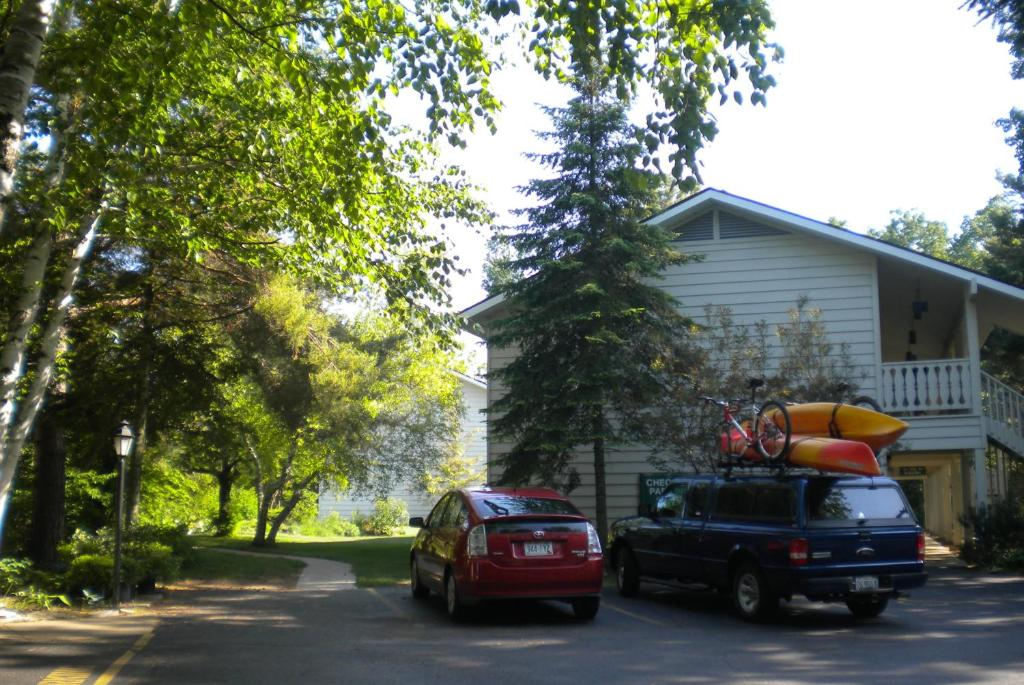 Parkwood lodge menominee book your hotel with viamichelin for Fish creek wi weather