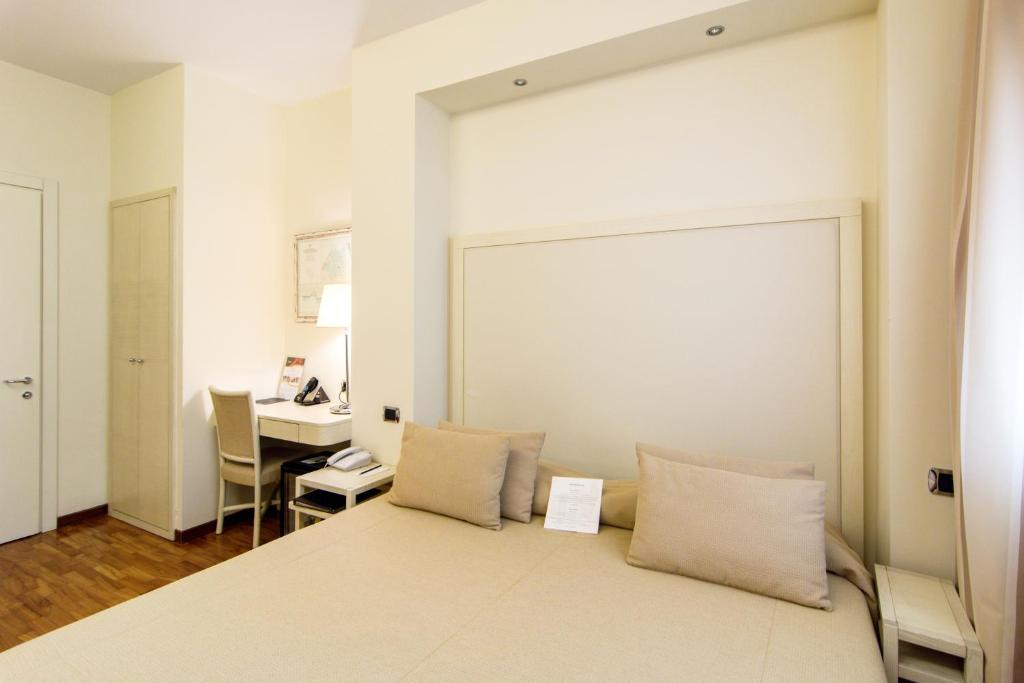 Hotel Beaurivage - Senigallia - book your hotel with ViaMichelin