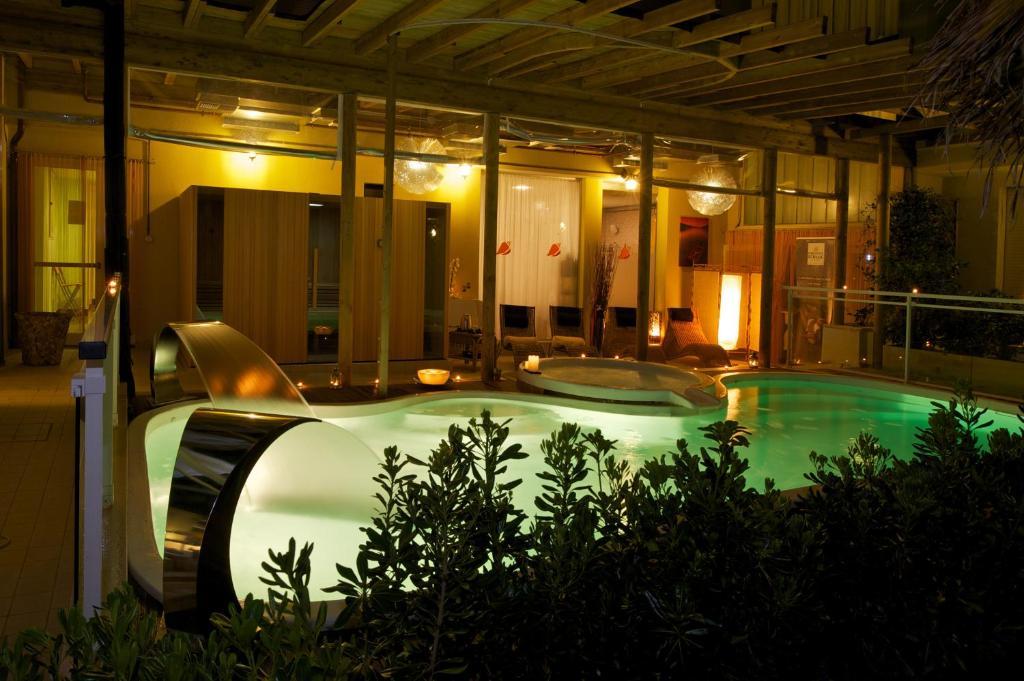 Park hotel kursaal misano adriatico prenotazione on - Hotel misano adriatico con piscina ...