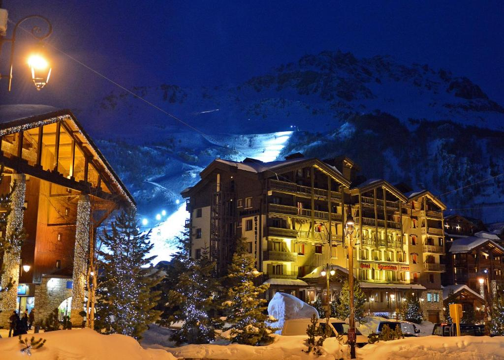 Hotel tsanteleina val d 39 is re for Hotels val d isere