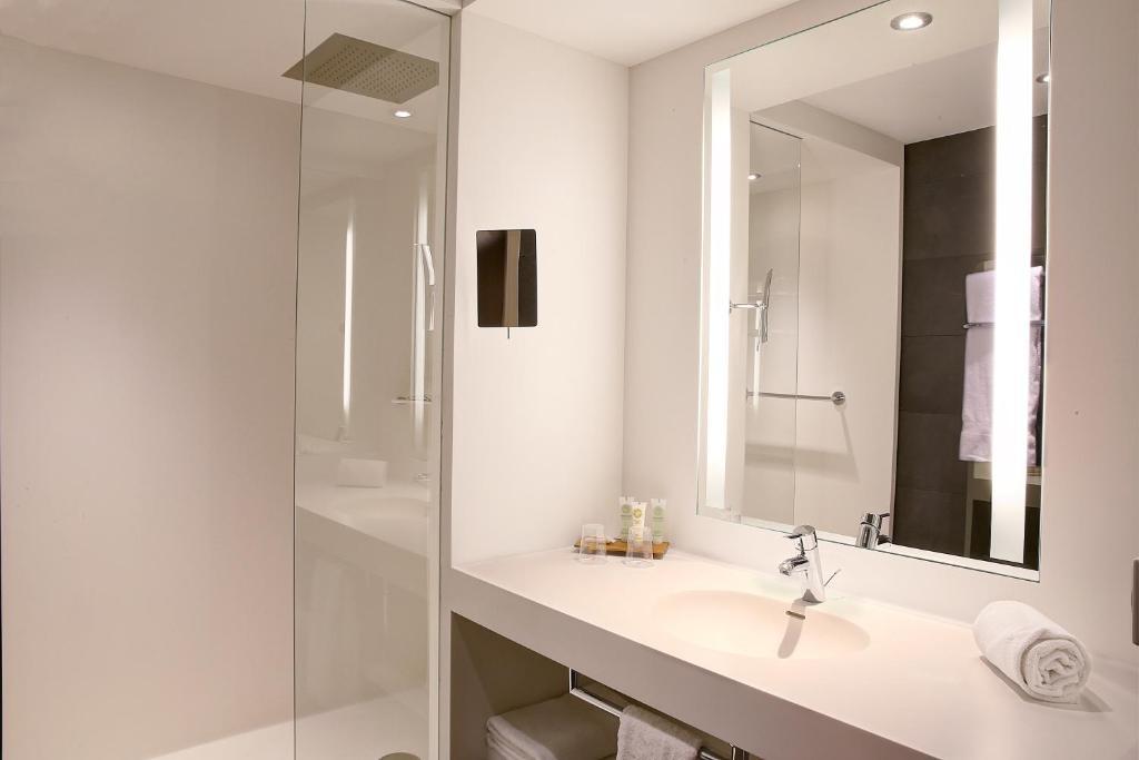 best western de la poste spa r servation gratuite sur viamichelin. Black Bedroom Furniture Sets. Home Design Ideas
