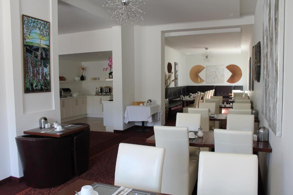 wiking hotel ulzburg reserva tu hotel con viamichelin. Black Bedroom Furniture Sets. Home Design Ideas