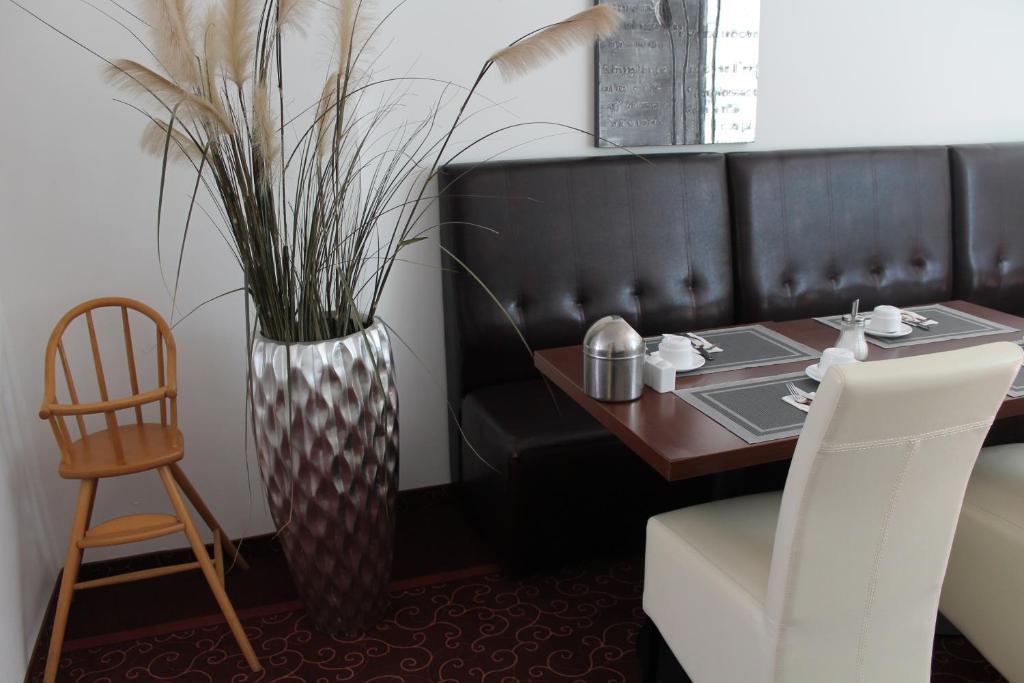 wiking hotel ulzburg viamichelin informatie en online reserveren. Black Bedroom Furniture Sets. Home Design Ideas