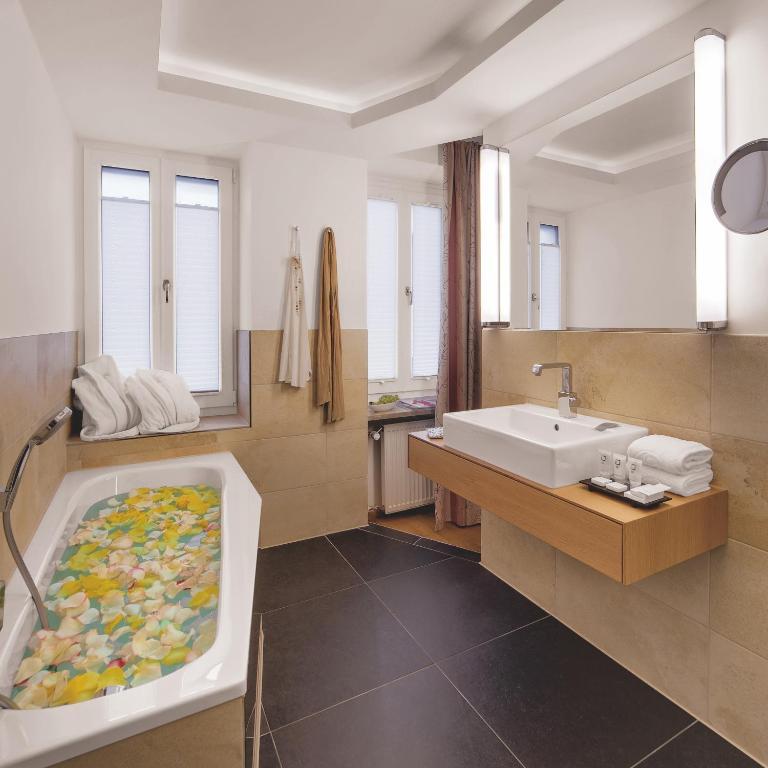Booking Muenchen Alpen Hotel