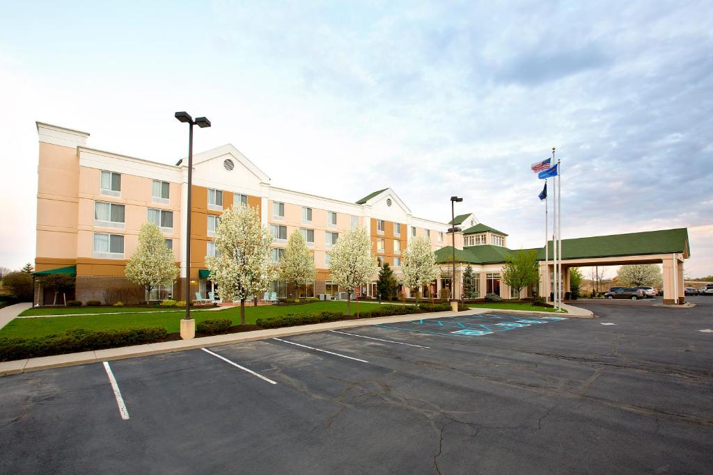 Hilton Garden Inn Indianapolis Carmel Carmel Book Your Hotel With Viamichelin