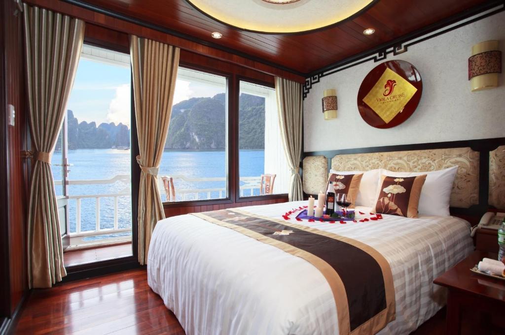 Cabin Deluxe Giường đôi hoặc 2 Giường đơn - 2 Ngày 1 Đêm