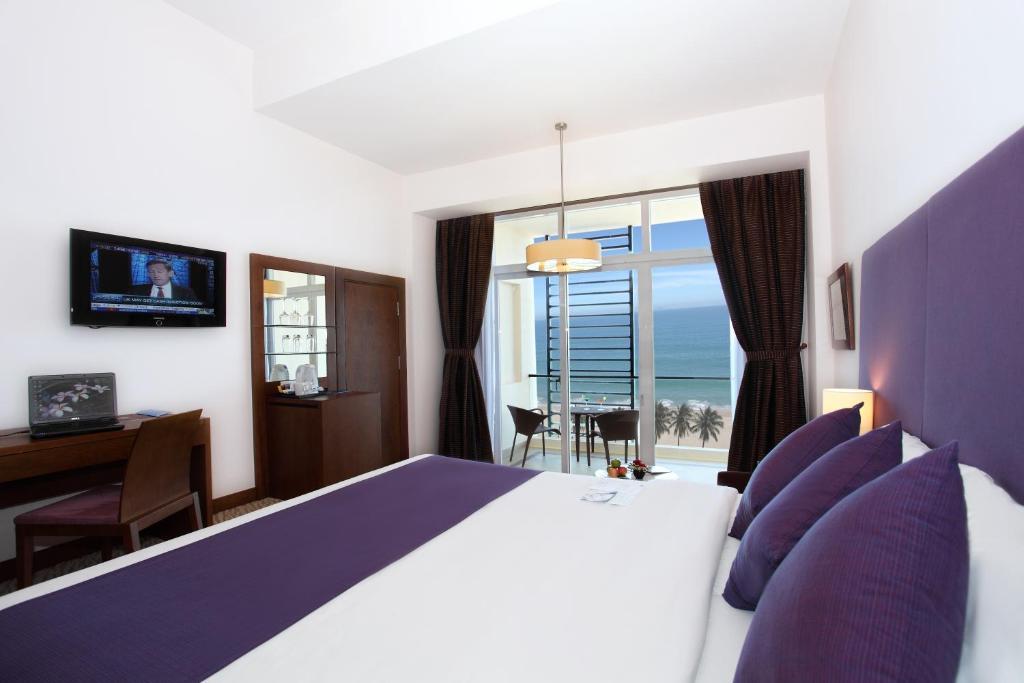 Phòng Superior có giường cỡ King và nhìn ra Đại dương