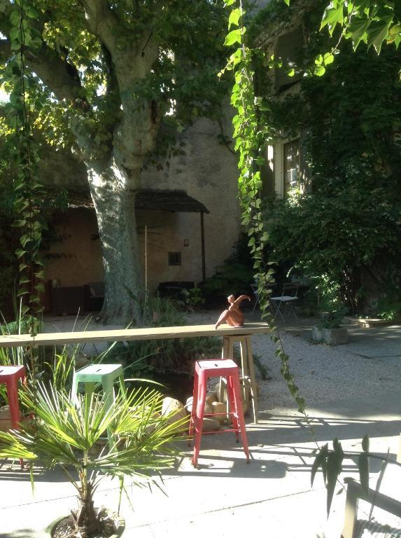 La demeure salon de provence informationen und - La poste salon de provence jean moulin ...