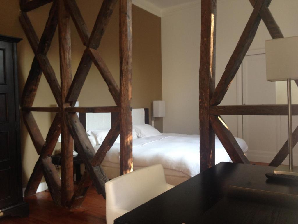 #8B5F40 York House Hotel Lisbon book your hotel with ViaMichelin 702 Janelas Verdes Lisbon